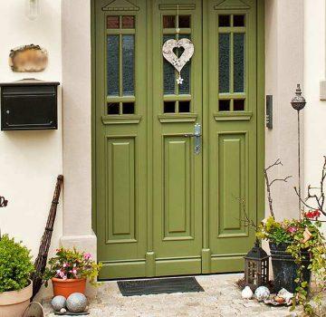 Haustür aus Kiefer, 2- flügelig, Sprossenverglasung mit Echtantik und Eisblumenglas